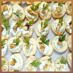 Do mais simples até o mais sofisticado, a Família Raposo Gastronomia entrega o melhor serviço possível. Consulte-nos e faça seu evento sem perder a cabeça #buffet #gastronomia