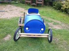 Como hacer un coche de carreras con un barril de plástico