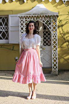 Full skirt with ruffle