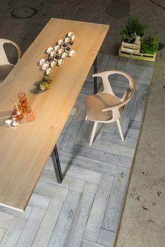 Skovin // Grå parkett i mønster Dining Table, Furniture, Easy, Home Decor, Decoration Home, Room Decor, Dinner Table, Home Furnishings, Dining Room Table