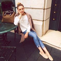Classic and comfort working perfectly together. Chilling in my nude @Tod Mesirow's loafers which I love for busy meeting days  #todsgommino #kaytureonthego #Padgram @kristina_bazan