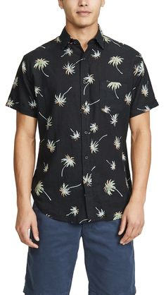 Rails Carson Short Sleeve Shirt In Vintage Palms Short Sleeve Button Up, Short Sleeves, China Fashion, Breast, Men Casual, Mens Fashion, Dog Bowtie, Palms, Mens Tops