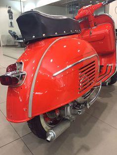Vespa 150 s: RAL 3020 Verkehrsrot