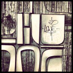 Una simple palabra en una pared?