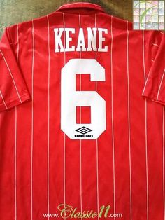 Relive Roy Keane's 1992/1993 season with this original Umbro Nottingham Forest home football shirt.