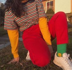 90's Fashion! Best 90's Outfit Ideas #90s #90sfashion #90sstyle #90saesthetic #90sgrunge #90sbabes #90sparty #90soutfits #vintage #vintageoutfits #vintageoutfitideas Colourful Outfits, Retro Outfits, Grunge Outfits, Trendy Outfits, Vintage Outfits, Layered Outfits, Vintage Costumes, 80s Fashion, Vintage Fashion