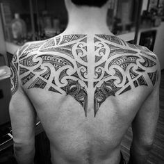 Discover the traditional New Zealand body art, Tā moko. Explore the best Maori tattoo designs for men with masculine tribal ink ideas. Back Tattoos For Guys Upper, Small Back Tattoos, Cool Back Tattoos, Cool Tattoos For Guys, Tribal Tattoo Designs, Tribal Back Tattoos, Tattoo Designs For Women, Tattoos For Women, Tattoo Girls