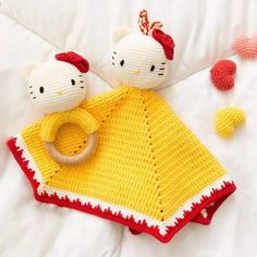 Kitty blanket and rattle