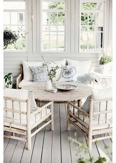Search photos of sunroom designs and decoration. Discover ideas for your 4 periods space enhancement, including inspiration for sunroom decorating as well as layouts. Home Living, Coastal Living, Living Spaces, Coastal Cottage, Cozy Cottage, Coastal Style, White Cottage, Cottage Living, Shabby Cottage