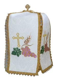 Cubre copón para uso litúrgico fabricado en 100 % poliéster. Ornamento para uso parroquial bordado con elementos litúrgicos: cruz dorada, espigas de trigo y racimo de uvas. (1/2) #CubreCopon #Copon #CoponLiturgico #CiboriumVeil