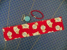 TresP craft blog: TUTORIAL CHUPETERO Y BOLSITO PARA CHUPETES Diy For Kids, Free Images, Personalized Items, Sewing, Blog, Handmade, Rabbits, Babyshower, Scrappy Quilts