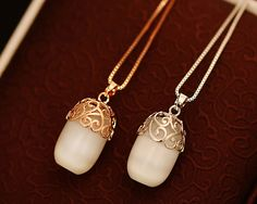 Elegant Chic Style Alloy Jacquard Embellished Women's Round Opal Pendant Necklace (GOLD)   Sammydress.com