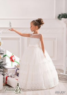 Dresses For Girls Beautiful Flower Girls Dresses For Weddings 2016 With Jewel Collar Applique Sleeveless Sash Tulle Kids Formal Wear With Floor Length Wedding Gowns From Liuliu8899, $93.46| Dhgate.Com