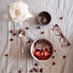 #breakfast homemade vanilla, coffee granola with fresh strawberries ❤️ | mebianxi