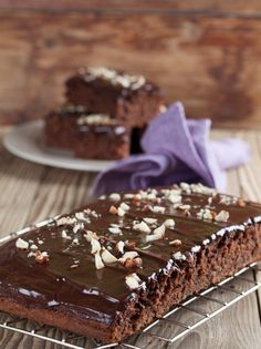 Moist Eggless Chocolate Cake Recipe - A moist and squidgy chocolate cake recipe made without eggs. Smother some chocolate ganache for that extra lusciousness. Sour Cream Chocolate Cake, Eggless Chocolate Cake, Sour Cream Cake, Chocolate Lovers, Chocolate Ganache, Sweet Recipes, Cake Recipes, Dessert Recipes, Greek Desserts