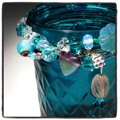 Bohemian Beaded Colored Mason Jar Tutorial- like the idea of the beads.might add to burlap for hand scrub jars Aqua, Turquoise, Bottles And Jars, Glass Jars, Colored Mason Jars, Canning Jars, Mason Jar Crafts, Beads And Wire, Diy Projects To Try