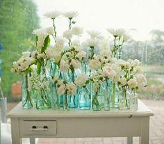 Gorgeous idea, Turquoise & White display !