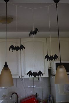 Furniture and Accessories. Nice Hanging Bat Homemade Crafting for Cool Minimalist Halloween Decoration Ideas. Halloween Window Decorations, Diy Diwali Decorations, Homemade Halloween Decorations, Home Decoration, Terrifying Halloween, Spooky Halloween, Paper Halloween, Halloween Projects, Halloween 2019