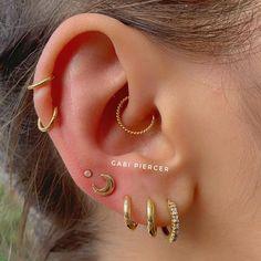 Gold Mini Heart Earrings with Round Cut Diamonds/ Micro Pave Earrings / Heart Shape Diamond Studs/ Minimalist Earrings – Fine Jewelry Ideas Related posts:Ohr tattoo - Pinspace - AmyBest Ear Piercings Ideas -. Piercing Oreille Cartilage, Innenohr Piercing, Spiderbite Piercings, Cartilage Earrings, Jewelry For Her, Ear Jewelry, Jewelry Ideas, Jewellery, Fine Jewelry