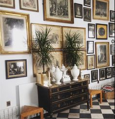 Ideas for wall collage frames house Frame Wall Collage, Frames On Wall, Framed Wall Art, Inspiration Wall, Interior Inspiration, Interior Design Living Room, Living Room Decor, Decoration, Gallery Wall