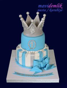 mavi demlik mutfağı- izmir butik pasta kurabiye cupcake tasarım- şeker hamurlu-kur: KRAL TAÇLI 1. YAŞ DOĞUM GÜNÜ PASTASI