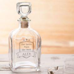 Die edle Whisky Flasche für Väter wurde mit größter Sorgfalt gefertigt und wird durch die Gravur auch für anspruchsvolle Genießer zum besonderen Geschenk. via: www.monsterzeug.de
