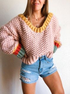 Crotchet Patterns, Sweater Knitting Patterns, Crochet Jumper Free Pattern, Wool And The Gang, Autumn Jumpers, Knit Fashion, Crochet Clothes, Knit Crochet, Crochet Sweaters