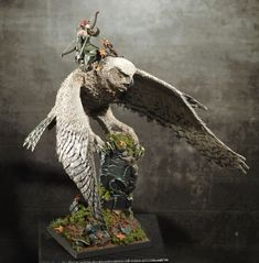 AndreasN - Waldelfen: The things you do for love. Warhammer Fantasy, Warhammer Wood Elves, Icewind Dale, Fantasy Battle, Fantasy Miniatures, Mini Paintings, The Elf, Diorama, Sculptures