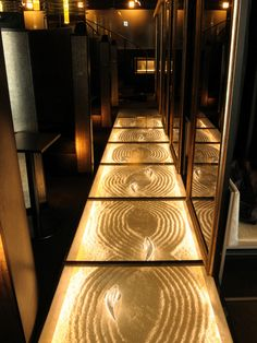Could be cool with sand and starfish or moss. the possibilities are endless! Japanese Modern, Japanese Interior, Japanese Style, Japanese Restaurant Design, Joinery Details, Indian Interiors, Chinese Garden, Space Interiors, Japan Design