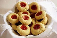 The Missing Flavor: Guava and tapioca thumbprint cookies Gluten Free Treats, Gluten Free Baking, Puerto Rican Bread Recipe, Guava Pastry, Pasta Recipes Indian, Comida Boricua, Puerto Rico Food, Mantecaditos, Healthy Summer Recipes