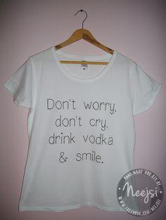 Ręcznie malowana koszulka, na której napis wykonałam w całości sama :)