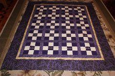Beautiful Purple Crown Royal bag large throw quilt and 1 pillow case. Crown Royal Bottle, Crown Royal Bags, Crown Royal Quilt, Fabric Crown, Bargello Quilts, Crown Pattern, Scrap Quilt Patterns, Quilt Tutorials, Quilt Making