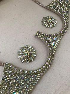 Underwire bra and Wonder V panty set pasties Bra Jewelry, Jewelery, Carnival Outfit Carribean, Festival Face Jewels, Velvet Bra, Rhinestone Bra, Diy Bra, Vintage Burlesque, Body Adornment