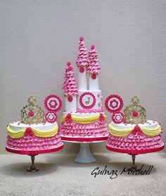gulnaz mitchell cake | Catherine Beddall: Catherine's Cakery (below)