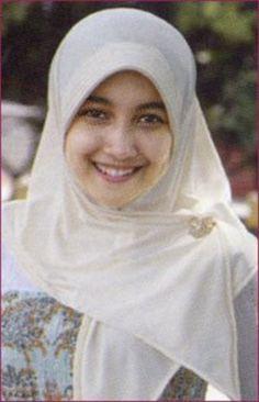 jilbab sma hot vulgar at DuckDuckGo Beautiful Hijab, Hijab Fashion, My Style, Kayak, Hijab Styles, Hijabs, Beauty, Hot, Muslim Women