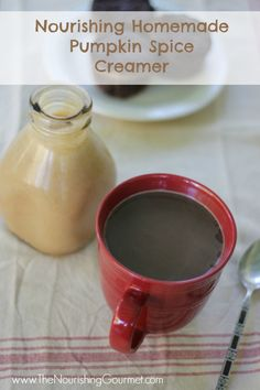 Recipe: Nourishing Homemade Pumpkin Spice Creamer - A simple and delicious recipe that doesn't contain artificial or other yucky ingredients. Dairy Free Recipes, Real Food Recipes, Gluten Free, Pumpkin Recipes, Fall Recipes, Yummy Eats, Yummy Food, Pumpkin Spice Creamer, Smoothie Drinks