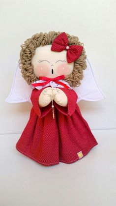 Rosemary Penha de Souza's 749 media content and analytics - Her Crochet Christmas Clay, Christmas Crafts, Christmas Ornaments, Handmade Angels, Christmas Door Decorations, Clothespin Dolls, Felt Toys, Fabric Dolls, Doll Patterns