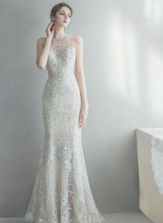 매력이 넘치는 홀터넥&하이넥 웨딩드레스 : 네이버 포스트 Modest Bridesmaid Dresses, Wedding Dresses For Girls, Perfect Wedding Dress, Wedding Dress Styles, Bridal Dresses, Wedding Gowns, Girls Dresses, Bride Poses, Wedding Girl