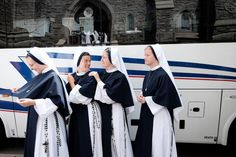 Nuns of a New Generation Forge Their Own Path - The New York Times