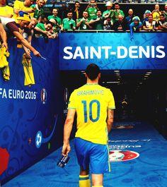 love the beautiful game : Photo