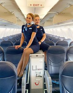 Find out the status of the flight on Flyings. See the flight schedule, as well as track the flight online. Flight Attendant Hot, Airline Attendant, Jet Blue Airlines, Flight Girls, Airline Cabin Crew, Jobs For Women, Female Pilot, In Pantyhose, Sexy Legs