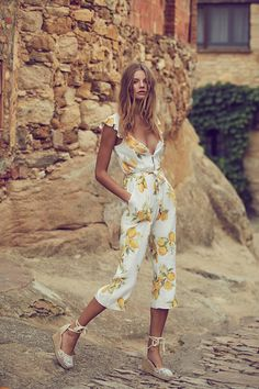 90 Gorgeous Romantic Spring Looks Women Style - Fashionetter Estilo Hippie, Look Retro, Online Fashion Boutique, Spring Looks, For Love And Lemons, Look Chic, Mode Inspiration, Fashion Outfits, Womens Fashion