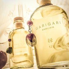 Tutti gli stili sono buoni, tranne lo stile noioso. (Voltaire)  GARIGARI: Alta classe con un pizzico di brio! Con Ametista e Fluorite Della Rovere Gioielli - 100% handmade in Italy!  www.enelixir.com  #altaprofumeria #perfume #parfume #profumo #homefragrance #luxury #maipisenza #jewels #boutique #vogue  € 70,00