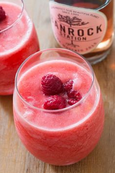 Try an easy to make raspberry lemonade moscato slush. It is delicious, refreshing and takes just 3 ingredients.