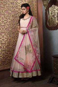 This classy anarkali suits is perfect for a summer soiree. Buy anarkali suit online - http://www.aishwaryadesignstudio.com/peach-anarkali-with-a-fancy-dupatta