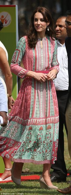 Quick swap: Kate Middleton changed out of the Alexander McQueen dress she was wearing earlier in the day and into a more summery, relaxing outfit - April 10, 2016