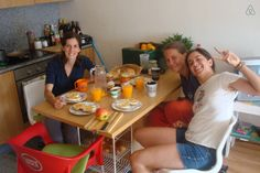 Girls from Croatia and Polond visited us and we had time for a nice breakfast on Saturday. :)