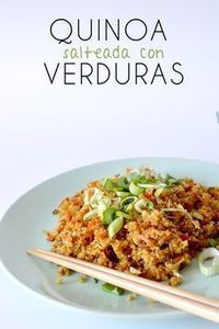 Esta receta de quinoa esta realmente deliciosa y harás que te olvides del arroz salteado, con muchas verduras y huevo, perfecta!