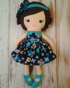 Little doll in the blue dress Doll Patterns Free, Doll Sewing Patterns, Sewing Dolls, Felt Dolls, Doll Toys, Girl Dolls, Baby Dolls, Baby's First Doll, Dolls And Daydreams