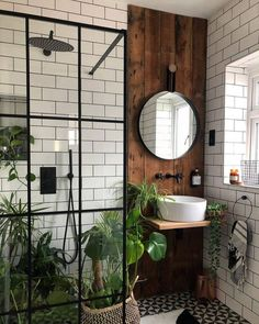 bohemian Bathroom Decor Trendy Bohemian Bathroom D - bathroomdecor Bohemian Bathroom, Modern Bathroom, Nature Bathroom, Jungle Bathroom, Bohemian Decor, Master Bathroom, Bathroom Black, Wooden Wall Bathroom, Plants In Bathroom